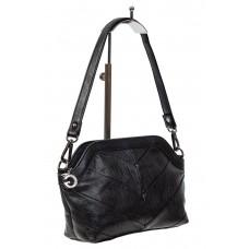 На фото 1 - Женская сумка из искусственной кожи с фигурным верхним краем, цвет чёрный