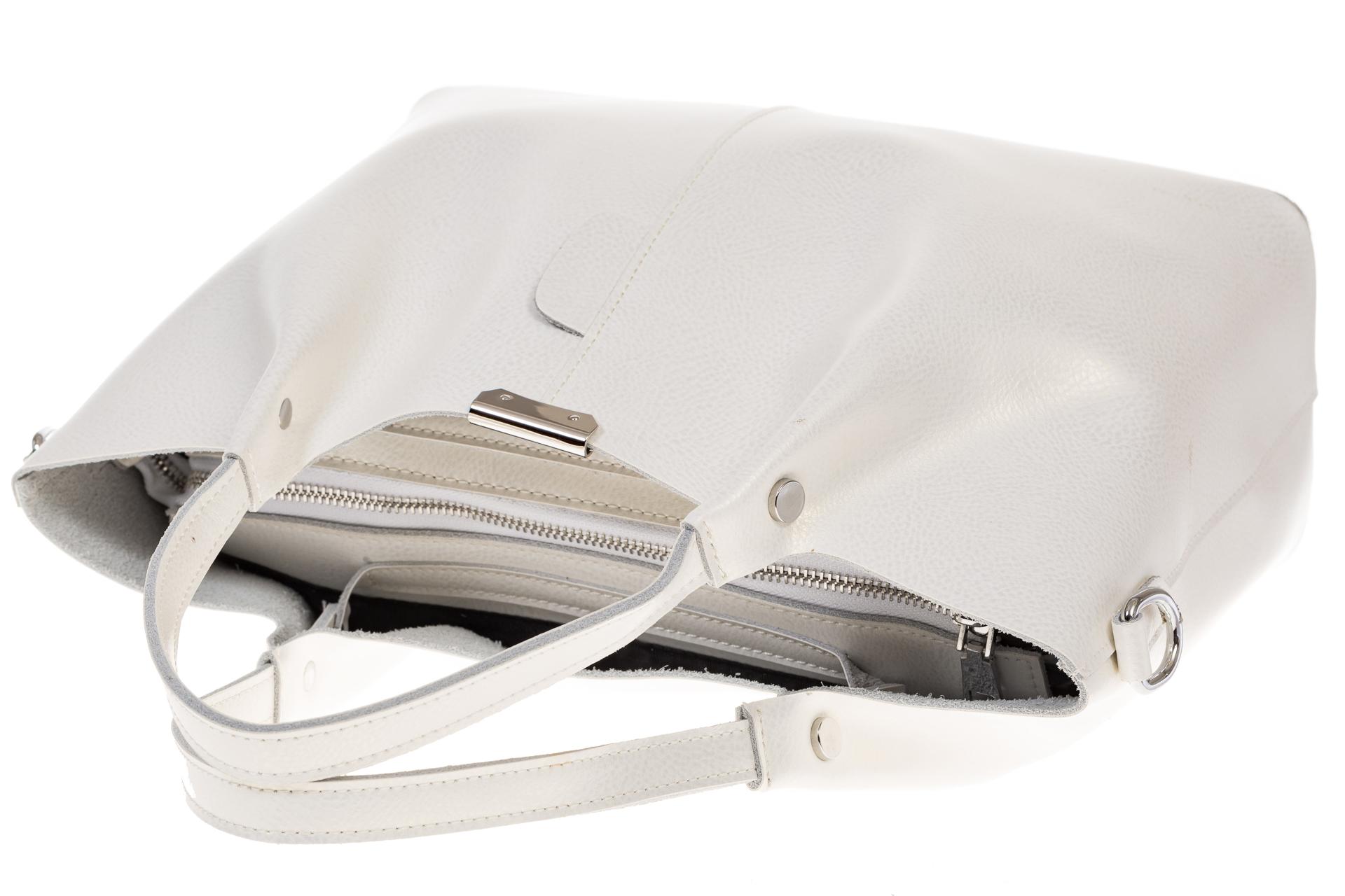На фото 4 - Кожаный шопер белый металлик 9921MK5