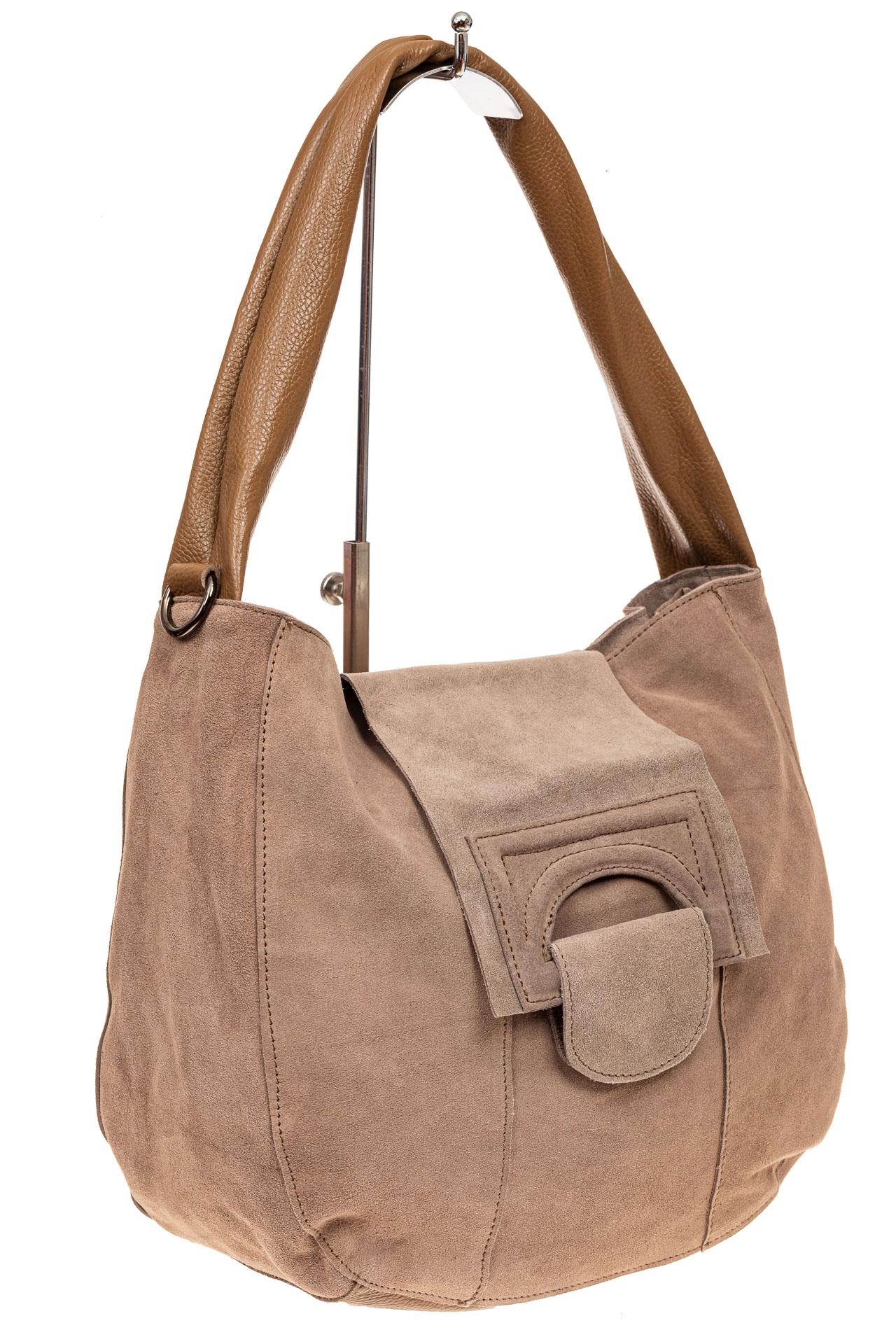 На фото 1 - Замшевая сумка с гортом, цвет бежевый