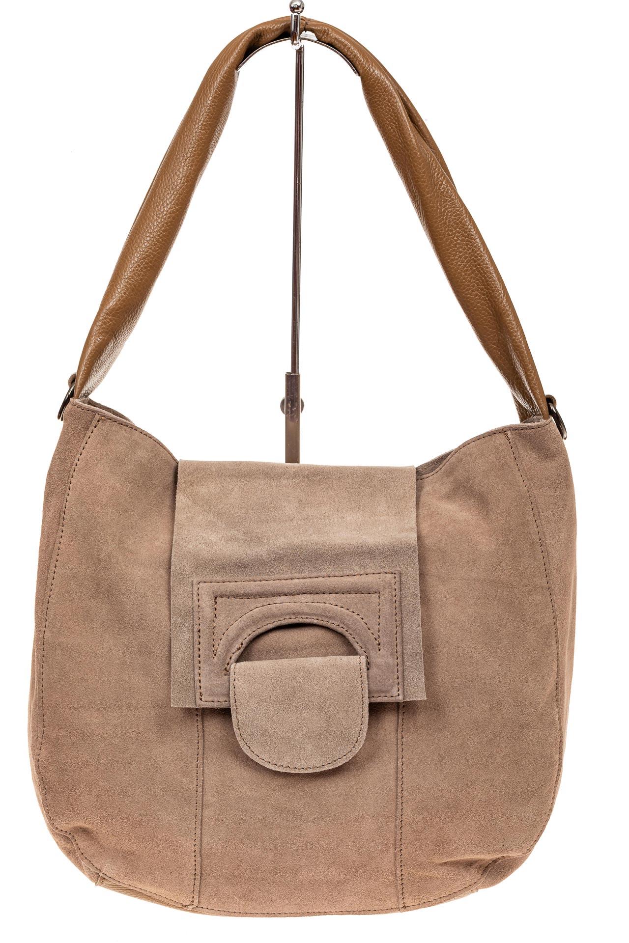На фото 2 - Замшевая сумка с гортом, цвет бежевый