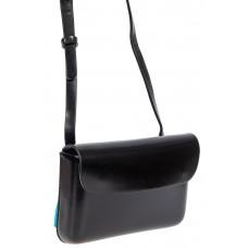 На фото 1 - Каркасный женский клатч из гладкой экокожи, цвет чёрный