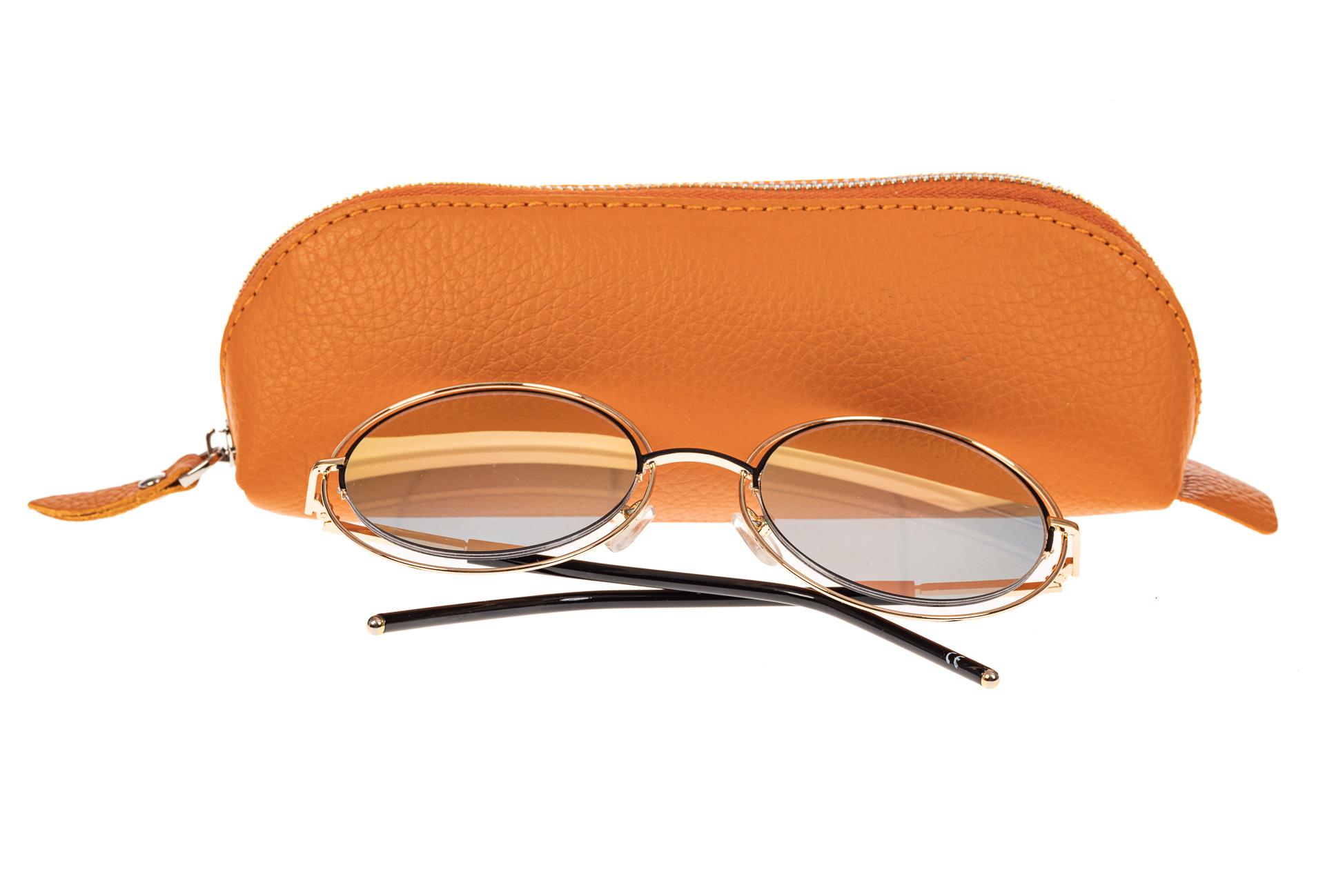 На фото 1 - Футляр-пенал из натуральной кожи, цвет оранжевый