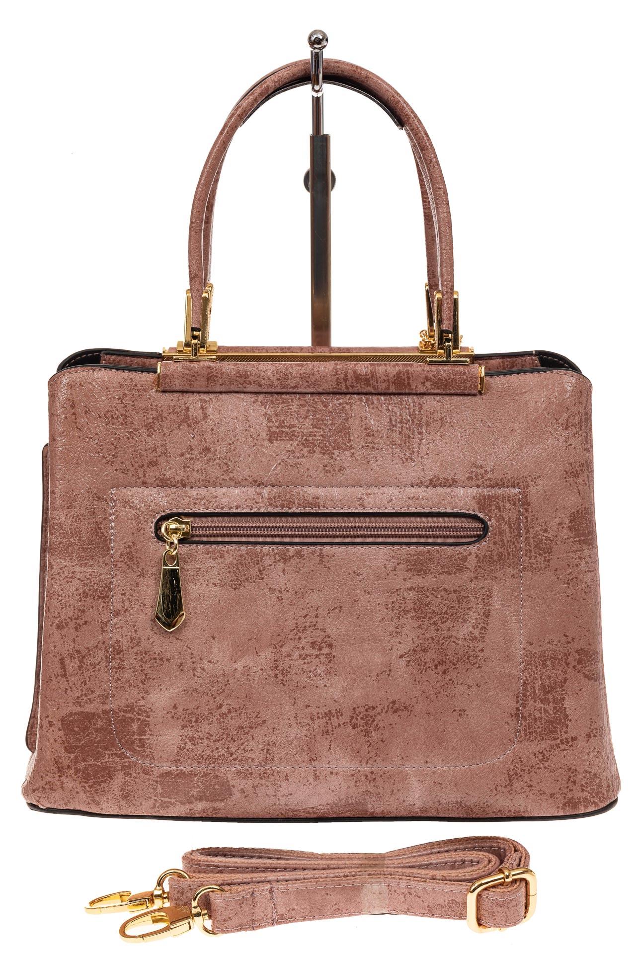 На фото 2 - Классическая сумка-трапеция из искусственной кожи, цвет розовый