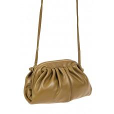 На фото 1 - Вечерняя сумка-малышка из мягкой экокожи, цвет хаки