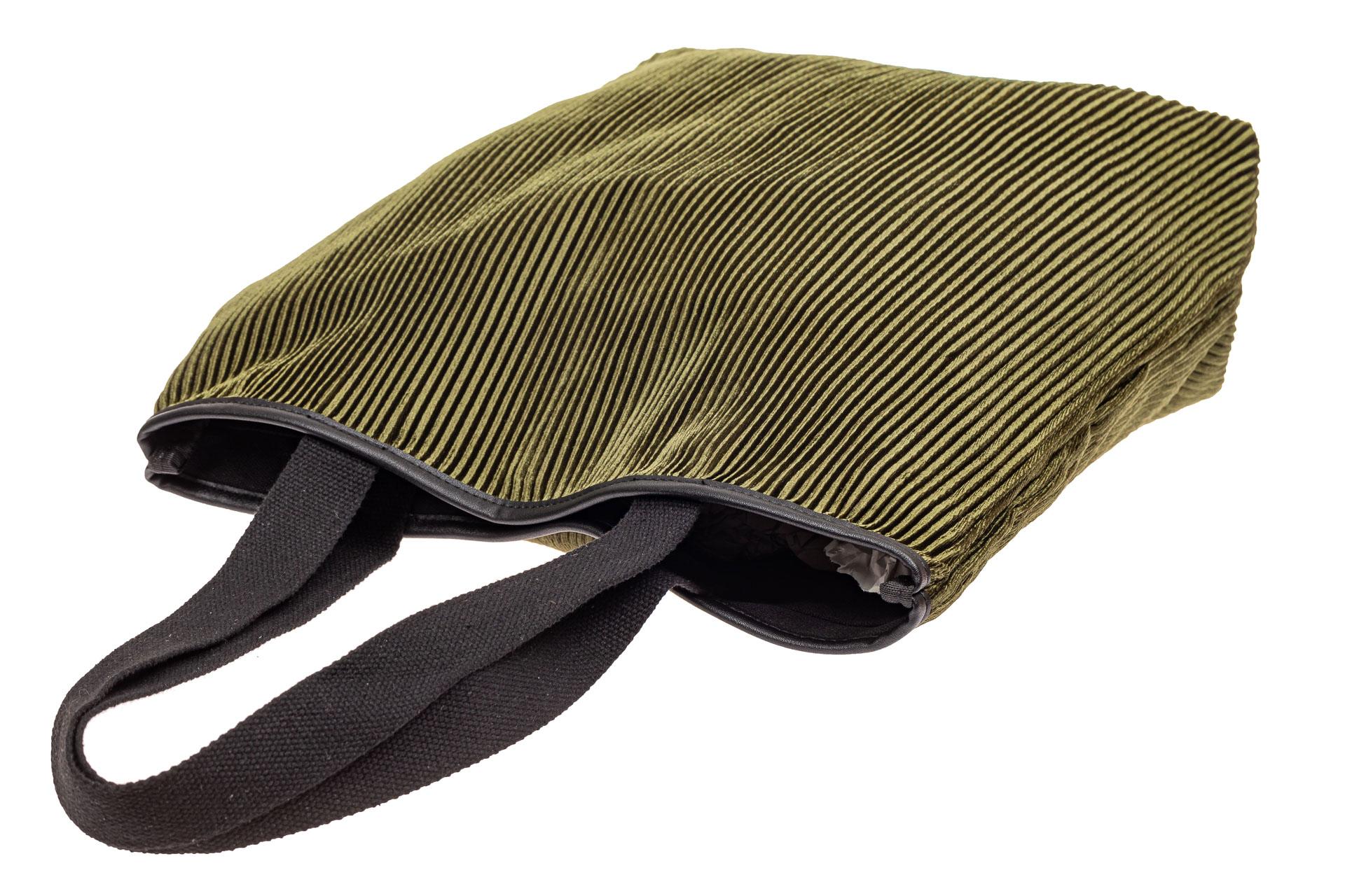 На фото 4 - Сумка-мешок женская из текстиля, цвет зеленый