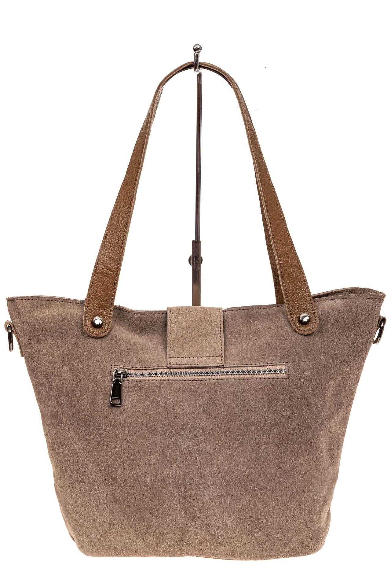 На фото 3 - Замшевая сумка шоппер, цвет бежевый