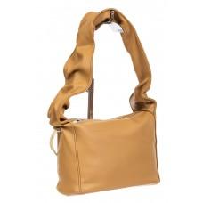 На фото 1 - Женская сумка из мягкой искусственной кожи с широкой ручкой, цвет светло-рыжий