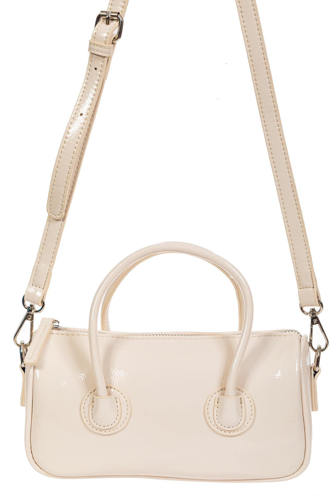 На фото 2 - Лаковая сумочка-багет из искусственной кожи, цвет молочный