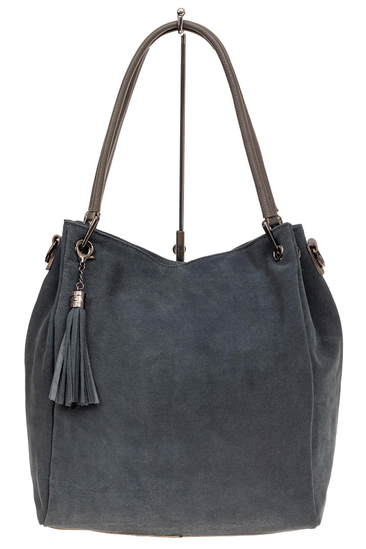 На фото 2 - Замшевая сумка тоут с кожаными ручками, цвет серо-голубой