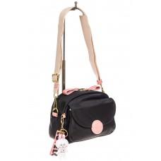 На фото 1 - Небольшая женская сумка из текстиля с акцентным брелком, цвет чёрный