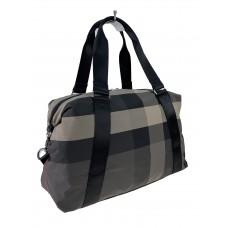 На фото 1 - Дорожная текстильная сумка с клетчатым принтом, мультицвет