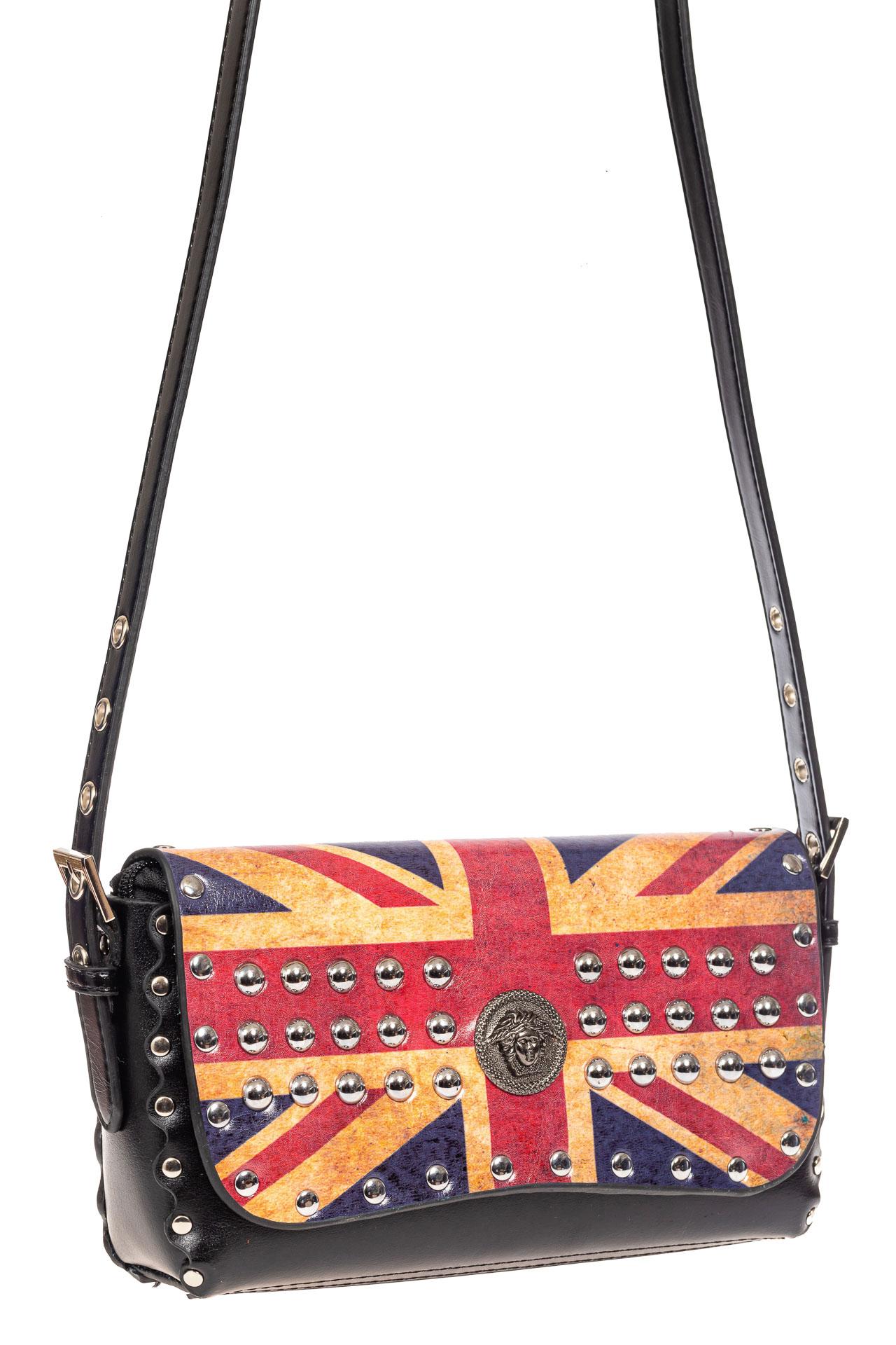 На фото 1 - Женская сумка из кожи с принтом, цвет черный