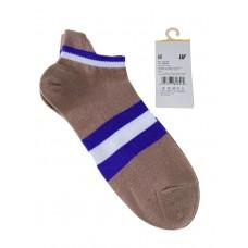 На фото 1 - Женские носки в полоску с высокой пяткой, цвет светло-коричневый