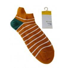 На фото 1 - Женские носки в полоску с высокой пяткой, цвет жёлто-оранжевый