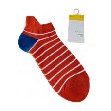 На фото 1 - Женские носки в полоску с высокой пяткой, цвет красный