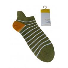 На фото 1 - Женские носки в полоску с высокой пяткой, цвет зелёный