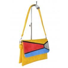 На фото 1 - Женская сумка-мессенджер из экокожи с разноцветными вставками, жёлто-оранжевый цвет