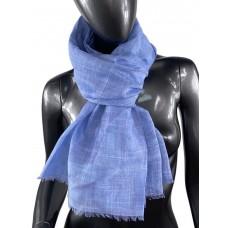 На фото 1 - Лёгкий шейный платок из хлопка и бамбука, цвет васильковый