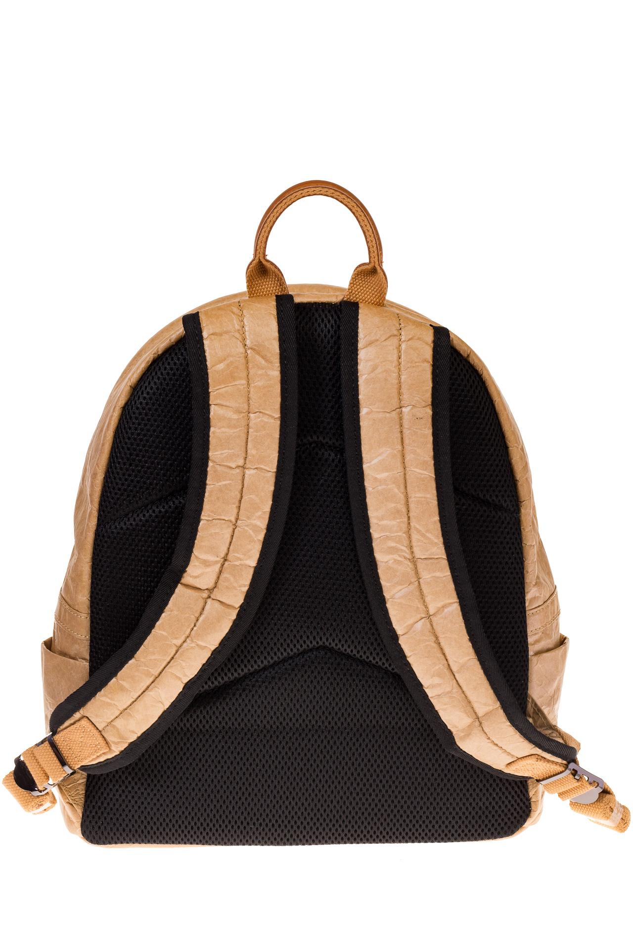 На фото 3 - Бежевый рюкзак из Nano Kraft