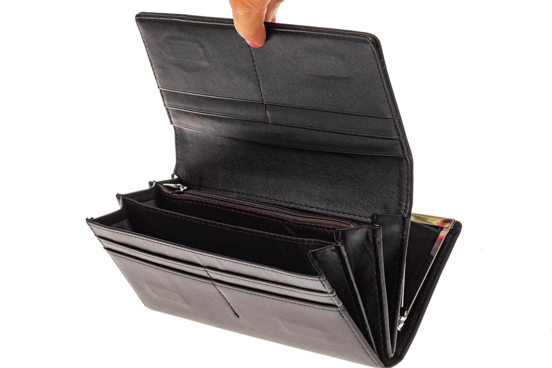 На фото 2 - Женский кошелек из искусственной кожи с фермуаром, цвет черный