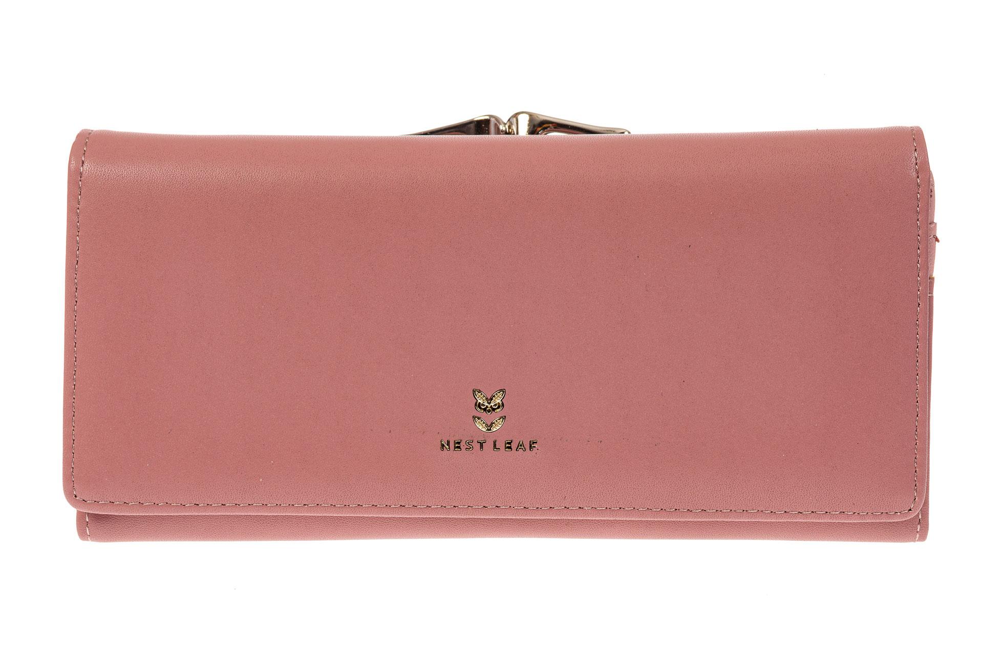 На фото 1 - Женский кошелек из искусственной кожи с фермуаром, цвет розовый