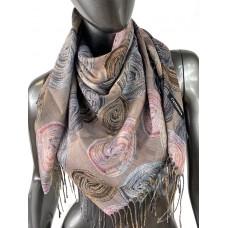 На фото 1 - Двухсторонний лёгкий платок из кашемира с узором, цвет какао