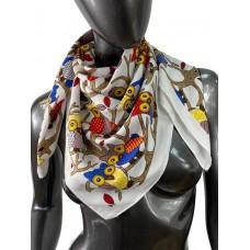 На фото 1 - Шёлковый платок с совами, цвет белый