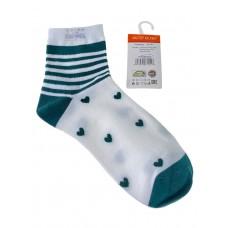 На фото 1 - Женские носки в полоску с сердечками, цвет белый с зелёным