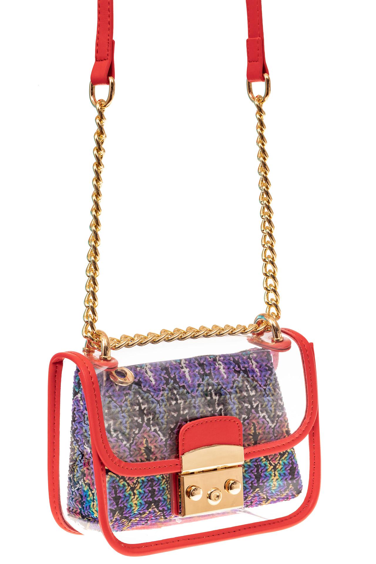 На фото 1 - Прозрачная сумочка с красной окантовкой