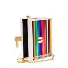 На фото 4 - Каркасная театральная сумочка из искусственной кожи с настоящими цветными карандашами, цвет белый