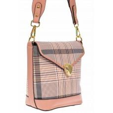 На фото 1 - Каркасная женская сумка из искусственной кожи с принтом, цвет розовый