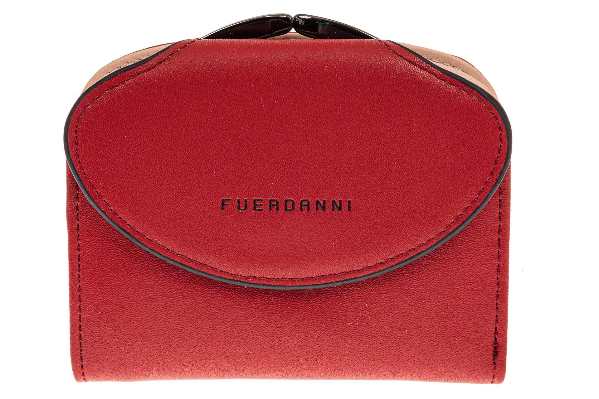 На фото 1 - Женское портмоне из искусственной кожи, цвет бордо