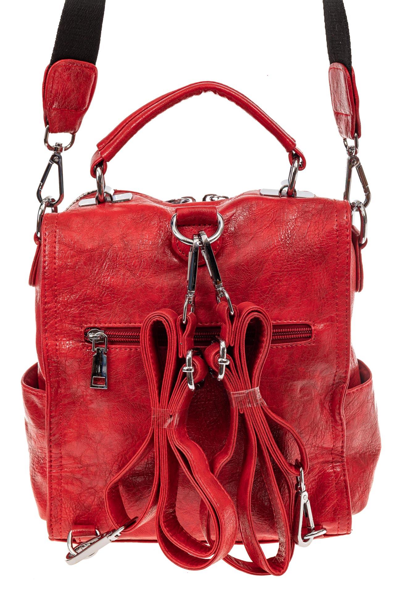 На фото 3 - Сумка женская рюкзак из искусственной кожи, цвет красный