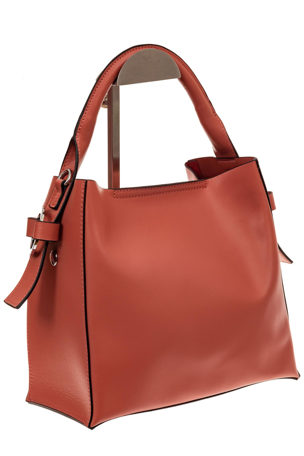 На фото 1 - Женская сумка-шоппер из натуральной кожи, цвет коралл
