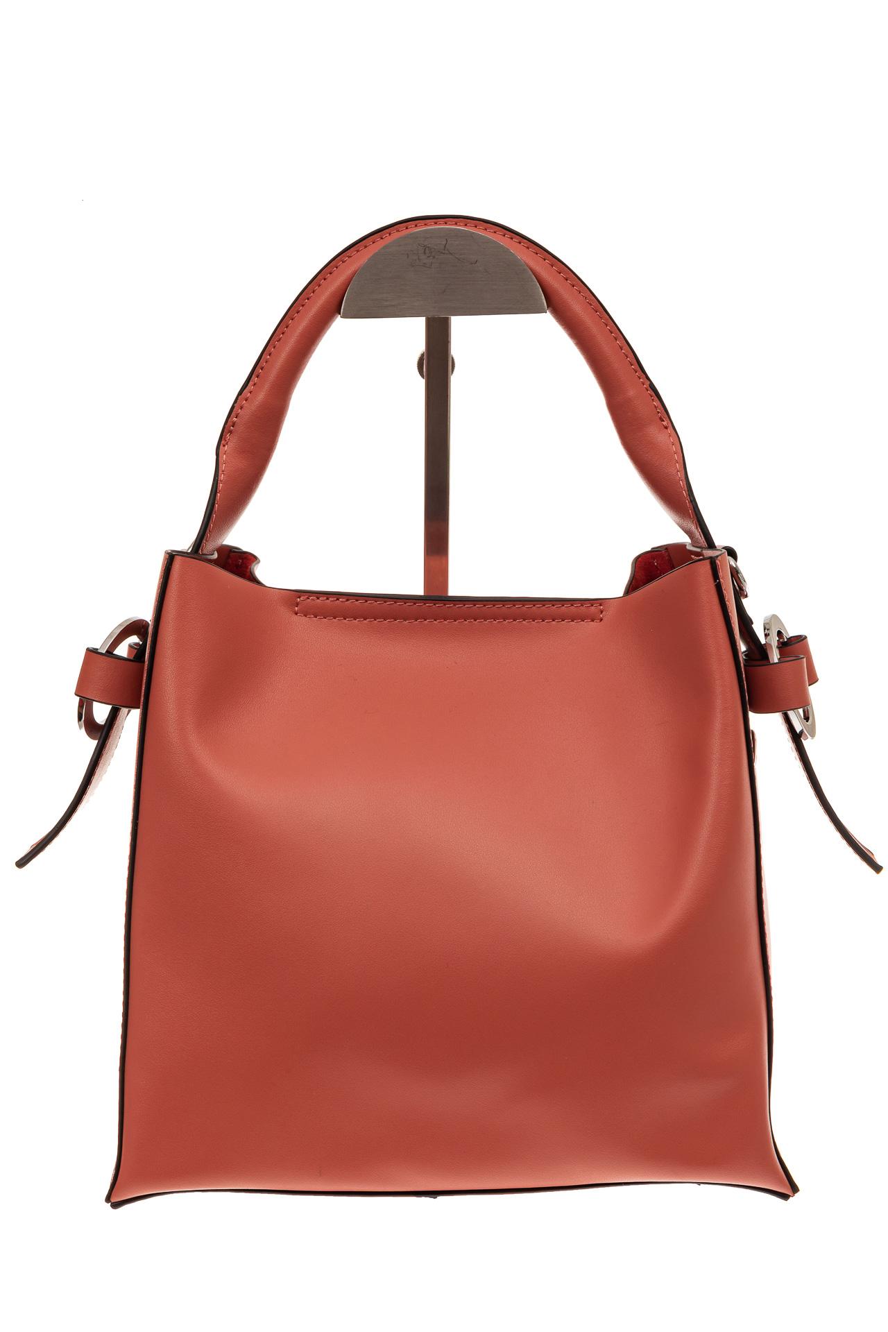На фото 2 - Женская сумка-шоппер из натуральной кожи, цвет коралл