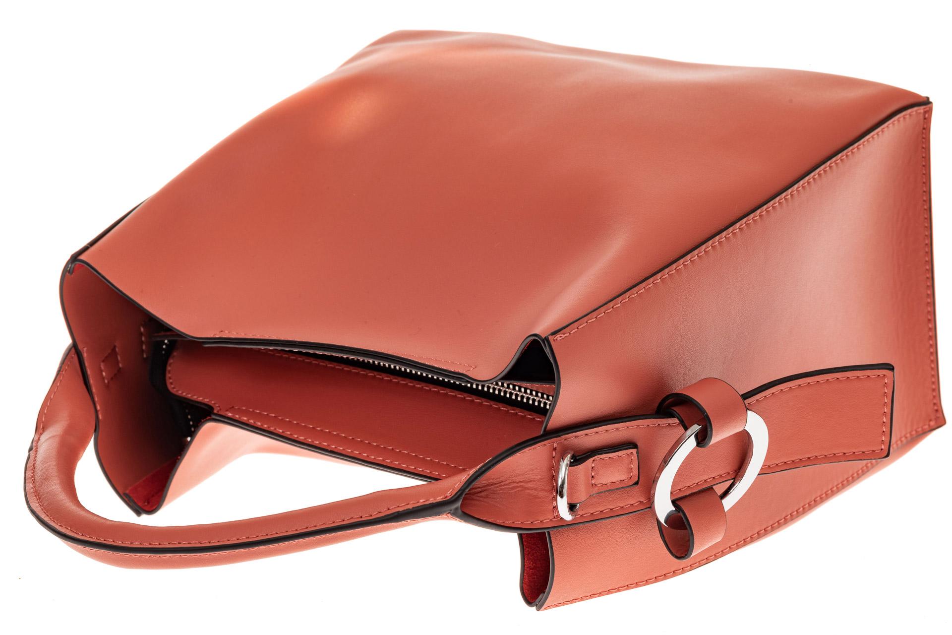 На фото 3 - Женская сумка-шоппер из натуральной кожи, цвет коралл