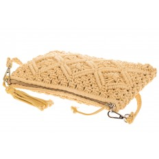 На фото 4 - Плетеная сумочка-flat в стиле макраме кремового цвета H4708