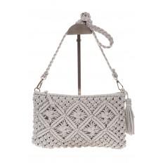 На фото 2 - Плетеная сумочка-flat в стиле макраме серого цвета H4708