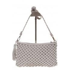 На фото 3 - Плетеная сумочка-flat в стиле макраме серого цвета H4708
