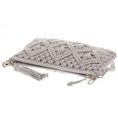 На фото 4 - Плетеная сумочка-flat в стиле макраме серого цвета H4708