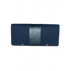 На фото 1 - Женский кошелёк из искусственной кожи с фактурной вставкой, цвет голубой