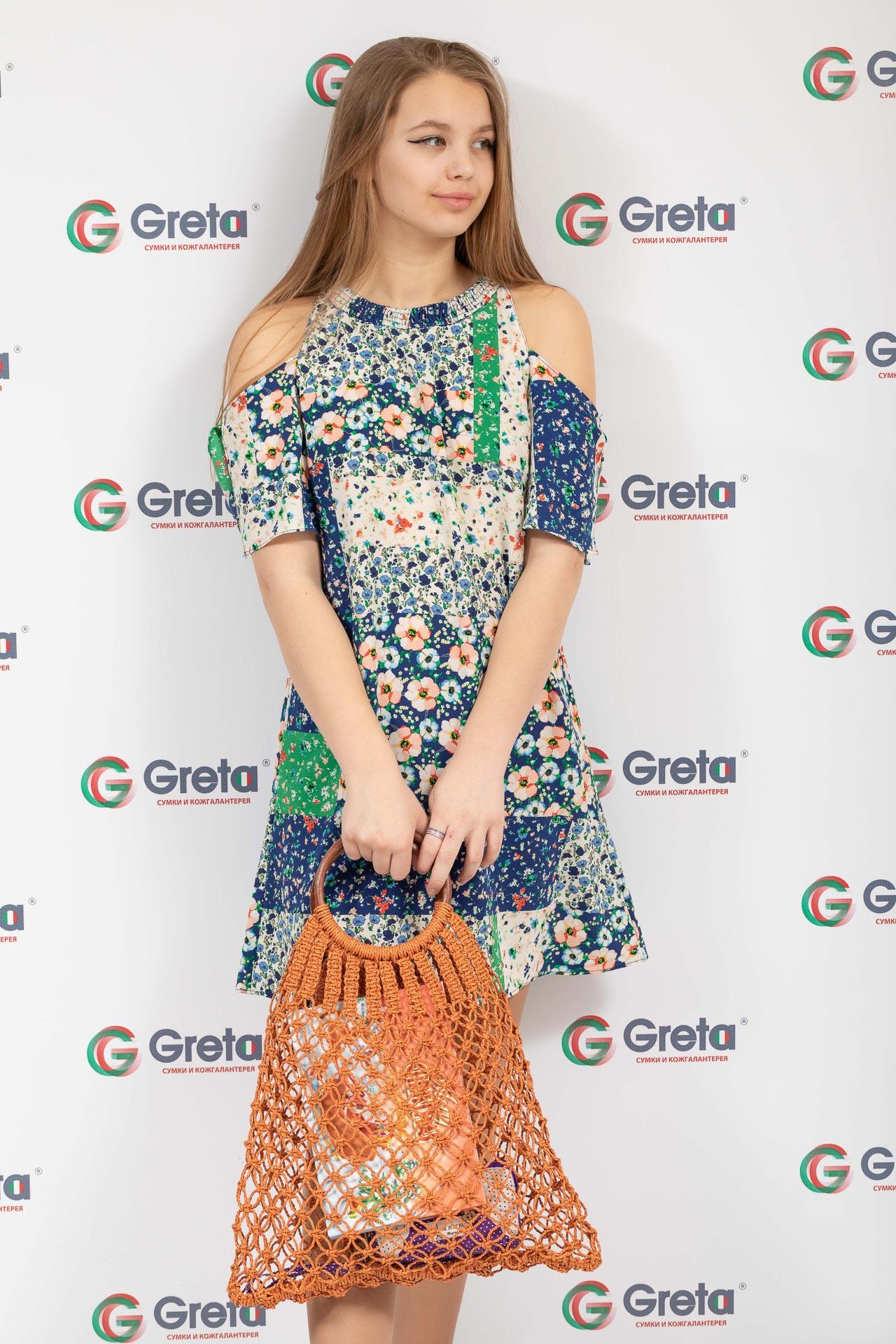 На фото 4 - Плетеная сумка-авоська с деревянными ручками, цвет рыжий