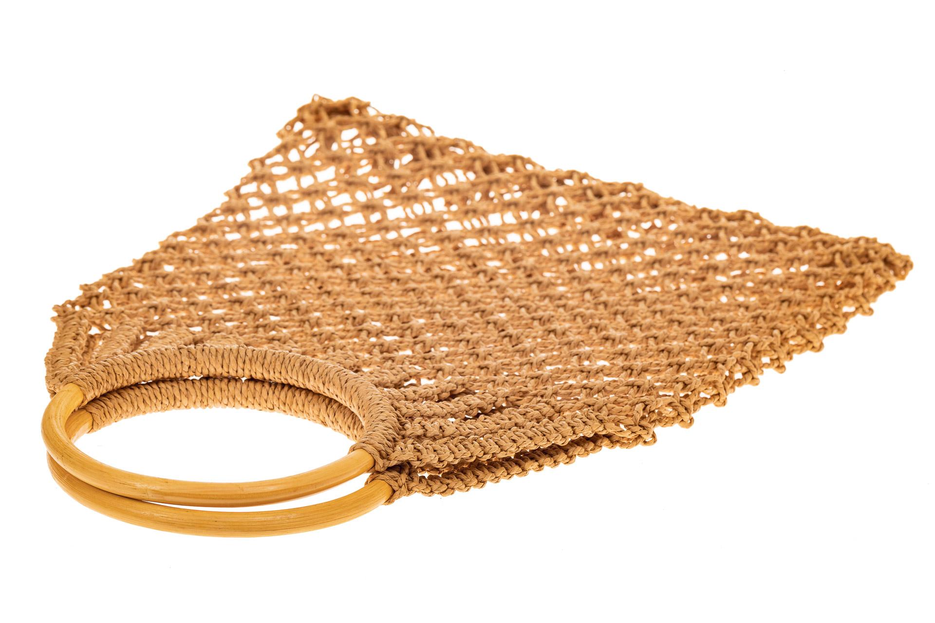 На фото 3 - Плетеная сумка-авоська с деревянными ручками, цвет крафт