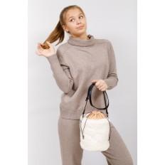 На фото 5 - Меховая сумка-ведро, цвет белый