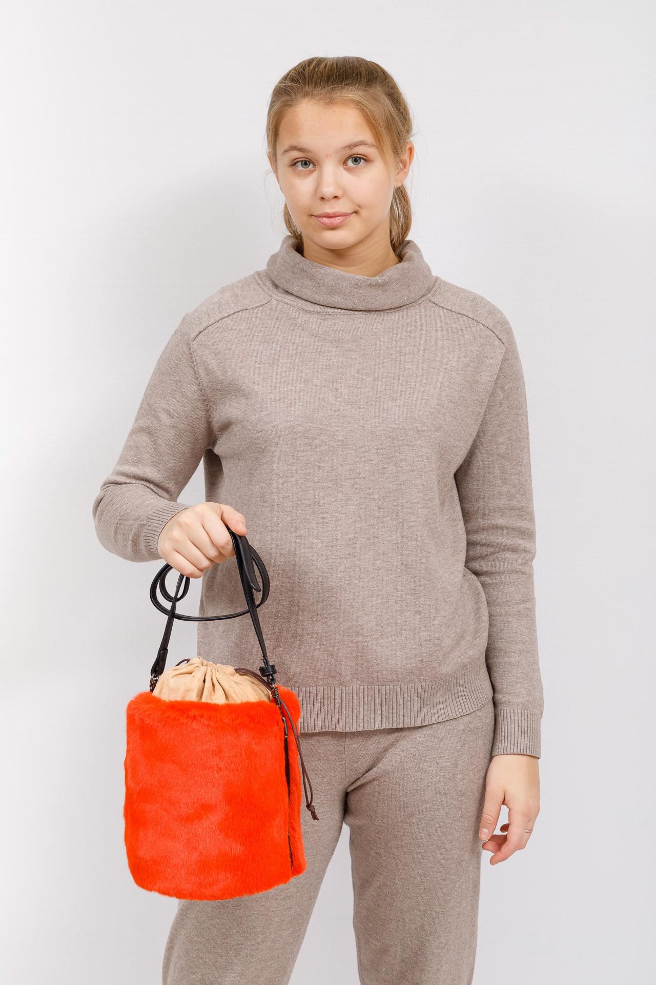 На фото 5 - Меховая сумка-ведро, цвет оранжевый