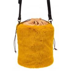 На фото 3 - Меховая сумка-ведро, цвет желтый