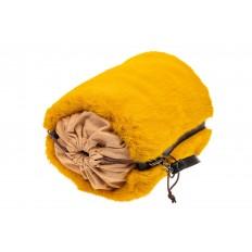 На фото 4 - Меховая сумка-ведро, цвет желтый