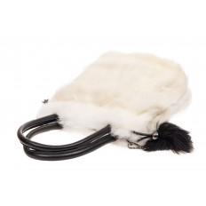 На фото 4 - Сумка кросс-боди женская из натурального меха, цвет белый