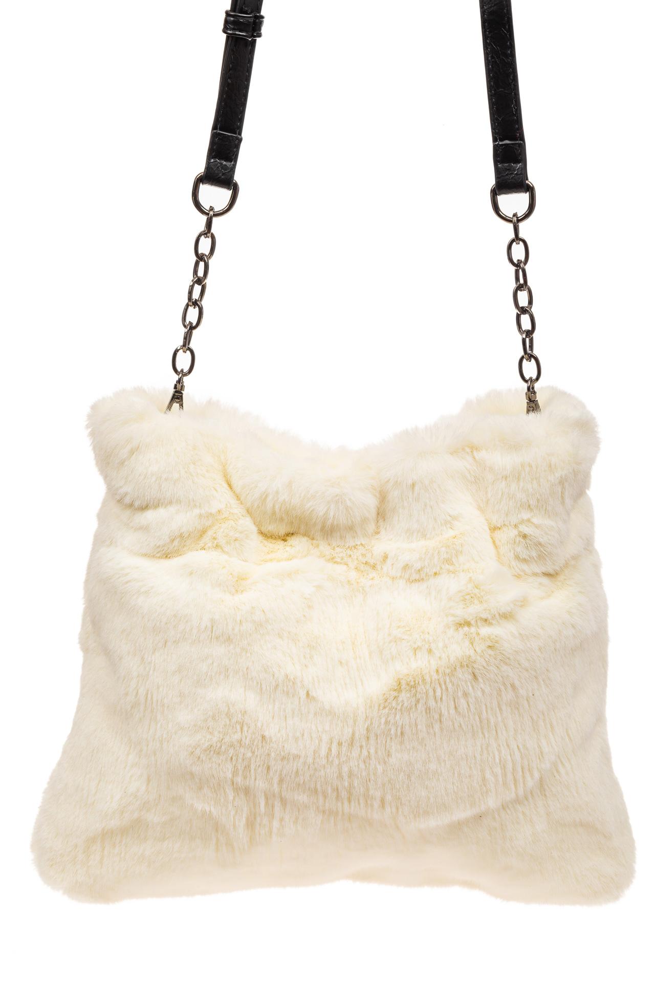 На фото 3 - Сумка женская из натурального меха, цвет белый