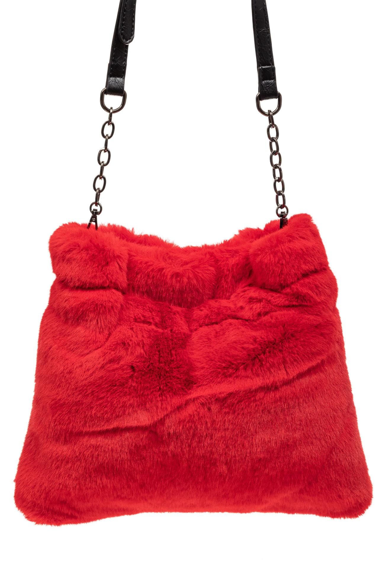 На фото 3 - Сумка женская из натурального меха, цвет красный